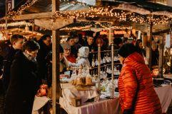 Verkauf am Adventsmarkt (c) Maria Harms Photography (Wildkogel Arena Neukirchen & Bramberg)