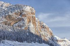 Verschneiter Langkofel - der Hausberg im Winter (Hotel Granbaita Dolomites)