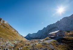 Wanderparadies Lamsenjochhütte (c) Angélica Morales (TVB Silberregion Karwendel)