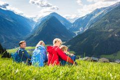 Wanderpause vor herrlicher Bergkulisse (Wildkogel Arena)
