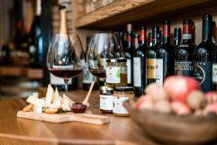 Weinspezialitäten mit Käsebegleitung (c) Daniel Demichiel (Hotel Sun Valley)