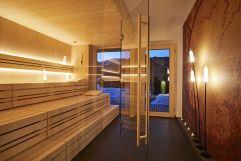 Wellness Pur in der Panorama Sauna (c) Tobias Burger (Bio-Hotel Oswalda Hus - Kleinwalsertalhotels)