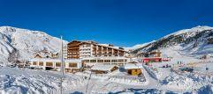 Winteraußenansicht des Hotels Hochfirst (c) Alexander Maria Lohmann