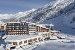 Winterliche Außenansicht Hotel Hochfirst (c) Alexander Maria Lohmann (Alpen-Wellness Resort Hochfirst)