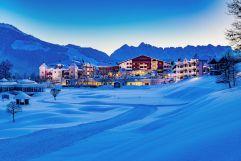 Winterliche Nachtaufnahme (Hotel Peternhof)