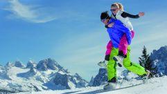 Winterspass auf der Skipiste © Bergbahnen Dachstein West-D. Schaufler