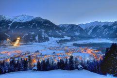 Wunderschöner Blick aufs verschneite Neukirchen am Grossvenediger  (Wildkogel Arena)