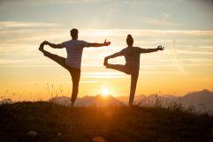 Yoga bei Sonnenaufgang (Posthotel Achenkirch)