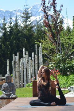 Yoga Einheit an der Frischen Luft (c) Aileen Melucci (Wellnesshotel Walserhof - Kleinwalsertal Hotels)