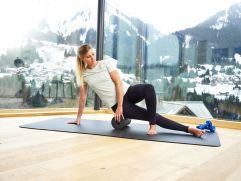 Yoga und Gymnastik mit Panoramablick (c) Michael Gunz (Genuss und Aktivhotel Sonnenburg - Kleinwalsertal Hotels)