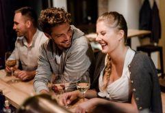 Zeit mit Freunden macht das Leben lebenswert (c) Veronika Anna Fleischmann (Hotel Traumschmiede und Gasthof zur alten Schmiede)