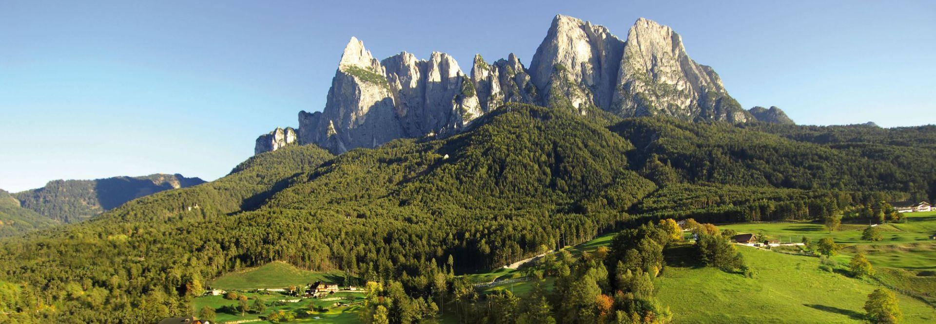 18-Loch Golfplatz in St.Vigil Seis im Herzen der Dolomiten (c) Seiser Alm Marketing (Hotel Steger-Dellai)