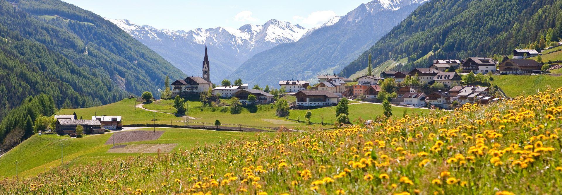 Sommerlicher Ausblick auf St. Jakob (c) TVB Tauferer Ahrntal (Tourismusverein Ahrntal)