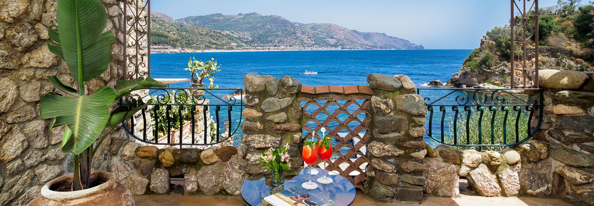 Terrasse des Deluxe Zimmers im Atlantis Bay auf Sizilien (c) Alfio Garozzo (VOI Grand Hotel Atlantis Bay)